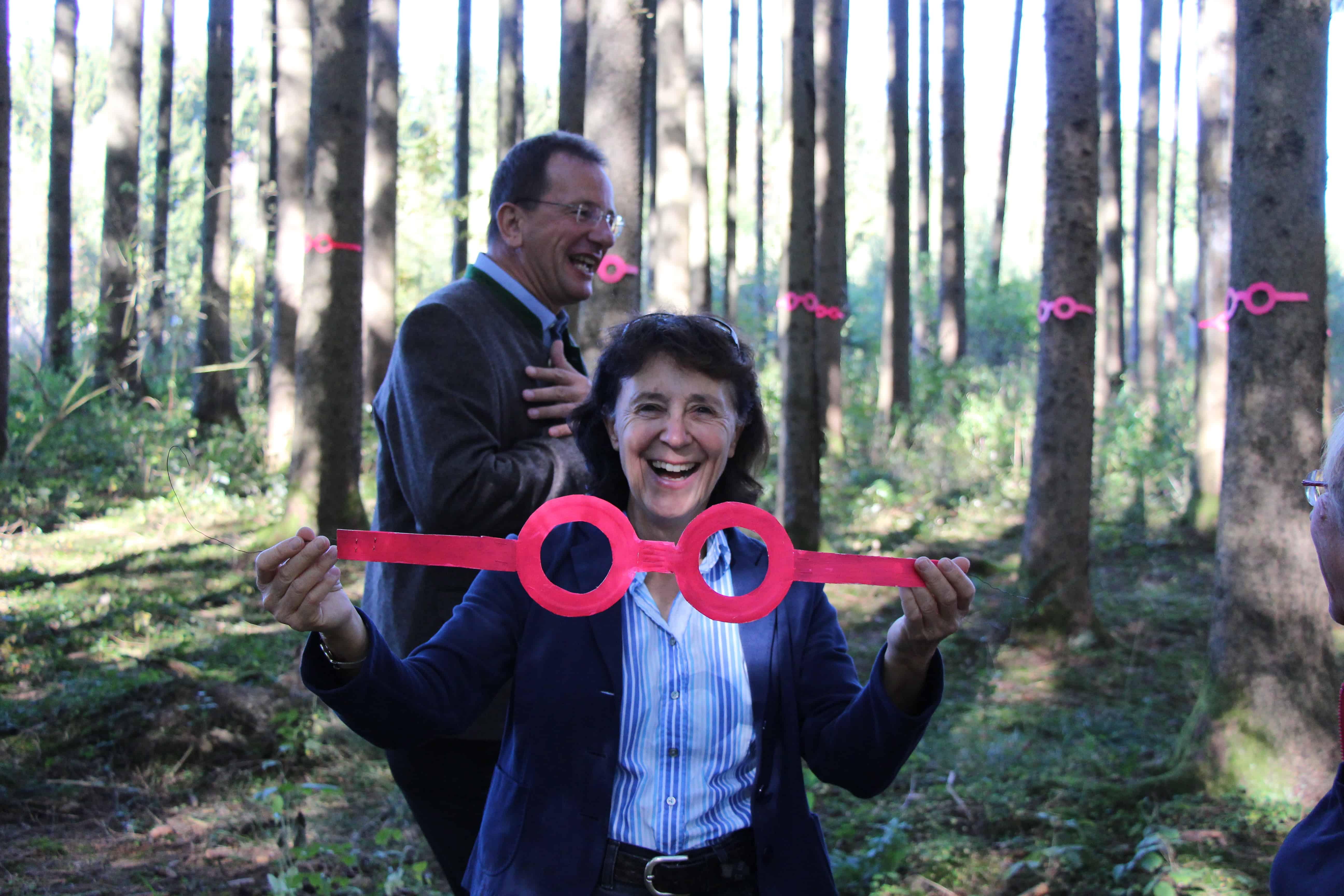 "Kunstaktion ""Der Wald schaut zurück"""
